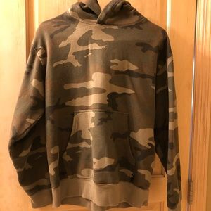 Aritzia TNA camouflage sweatshirt